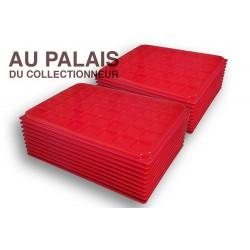 .Plateaux plastique rouge carrées avec couvercles X100 LOT N°M72