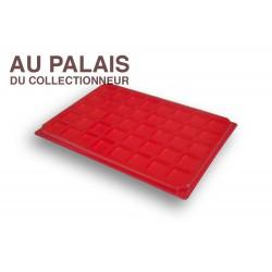 .Plateau plastique rouge carrées avec couvercle X1 LOT N°M44