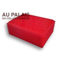 .Plateaux plastique rouge carrées avec couvercles X10 LOT N°M45