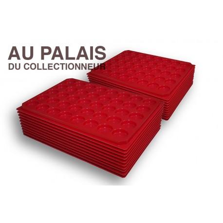 .Plateaux plastique rouge alvéoles rondes X100 LOT N°M 4