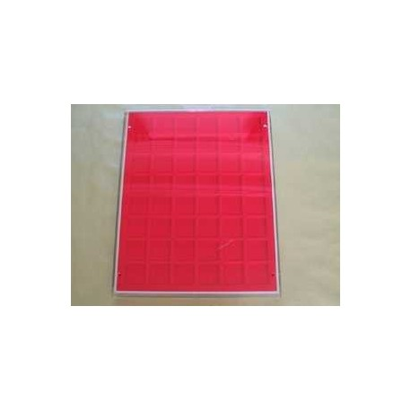 .Casiers standards rouge ou bordeaux LOT N°M13