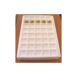 .Plateaux plastique blanc LOT N°M 5